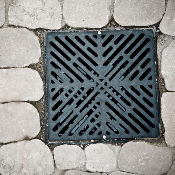 Grate covering drain box